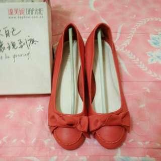 達芬妮 Daphne 低跟鞋