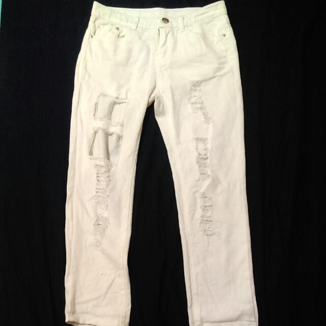 (保留中)白色破褲