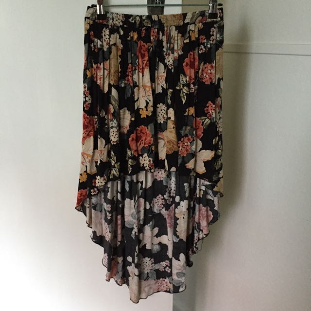 Asymmetrical Skirt - Size: S