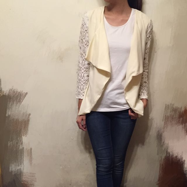 OL最愛款 蕾絲袖白色罩衫 俐落都會女性必備款