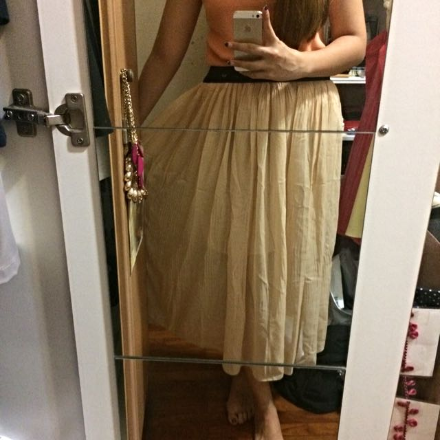 2639271596d74 Pleated Chiffon Maxi Skirt In Nude, Women's Fashion on Carousell