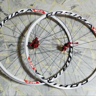 Alex rims 700c with Novatec FB482 hubs with corima decals for sale . very new