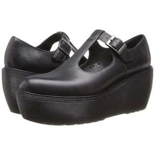 Dr Martens Karina厚底鬆糕皮鞋/霧面黑