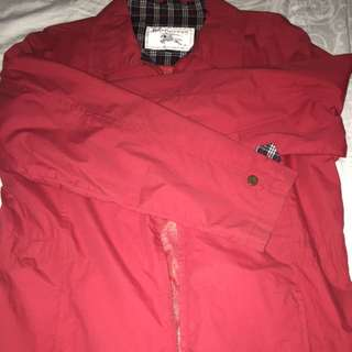 二手BURBERRY紅色風衣材質外套