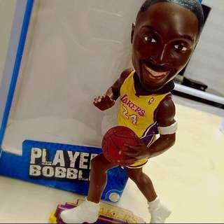 Kobe Bryant限量公仔(保留)