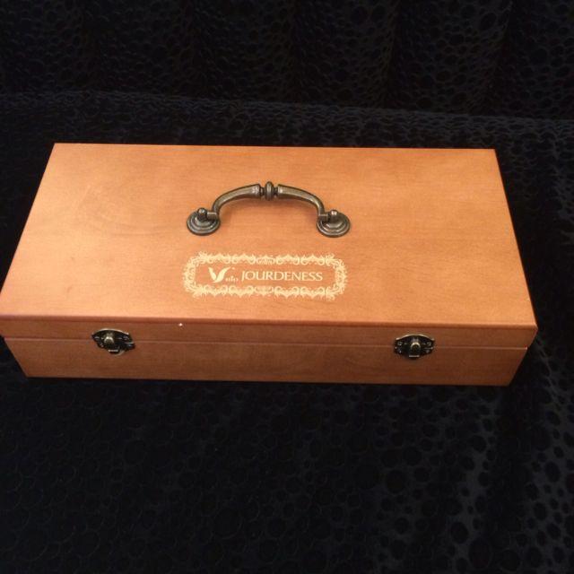 (全新)質感原木45格精油木盒。37*18。