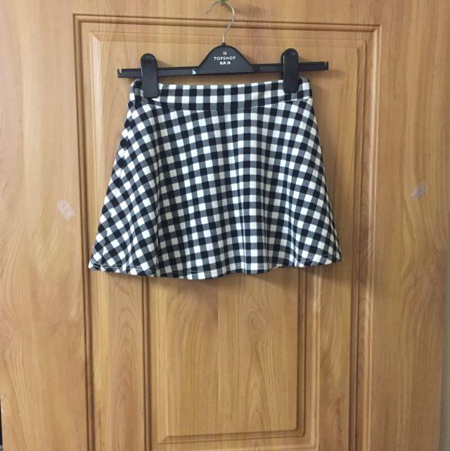 黑白格紋短裙