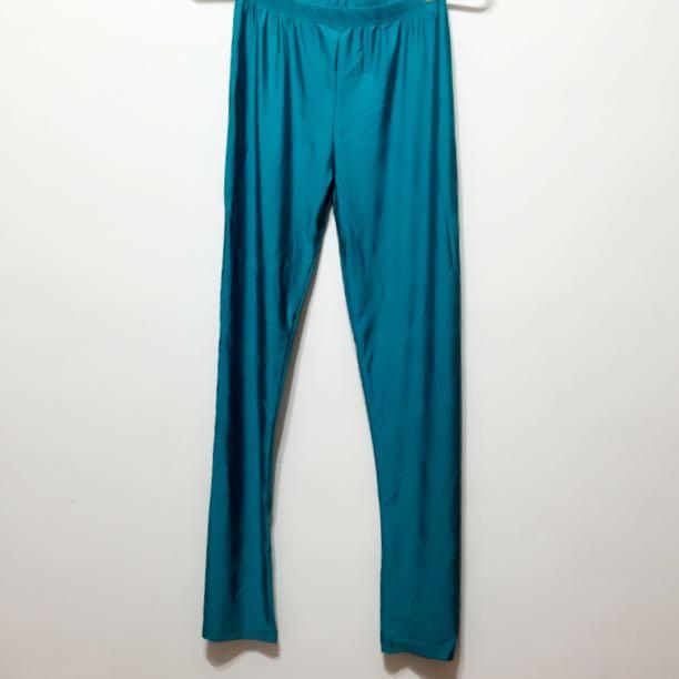 藍綠色彈性內搭褲