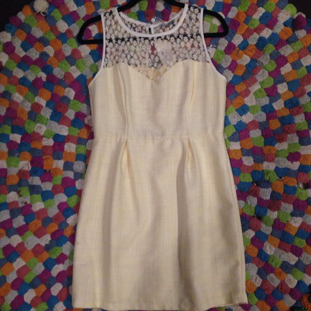 Cute Yellow Size 14 Dress
