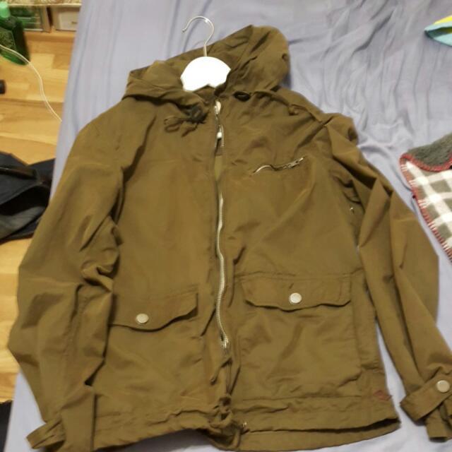 ESPRIT軍綠外套