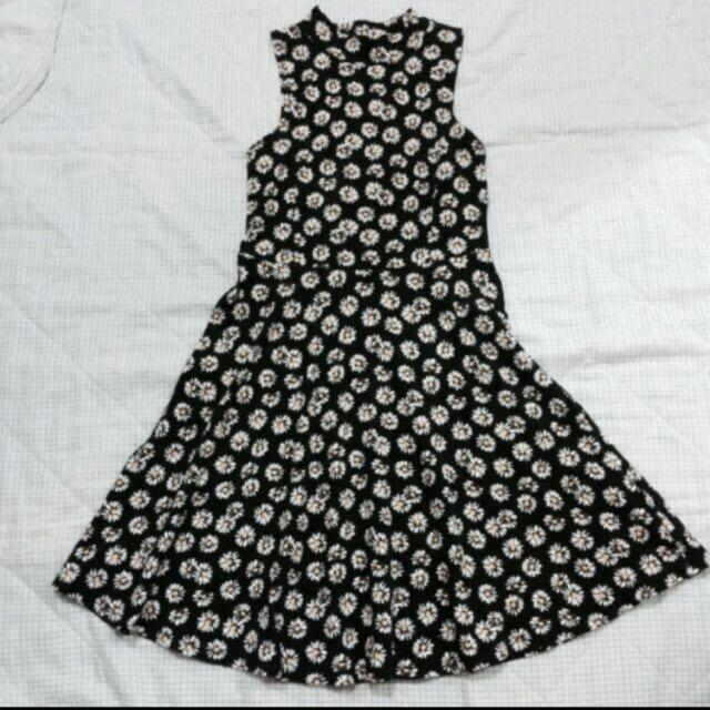 SUNFLOWER TURTLENECK DRESS