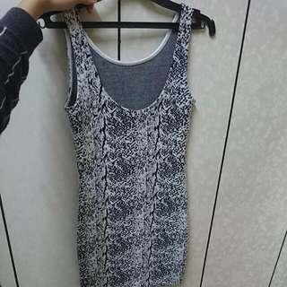 🎉H&M 緊身 黑白花紋 洋裝