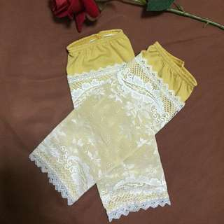 Lace Handsock In Mustard