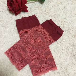Lace Handsock In Maroon