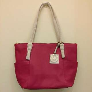 BRAND NEW WITH TAG Michael Kors Soft Leather Fuschia