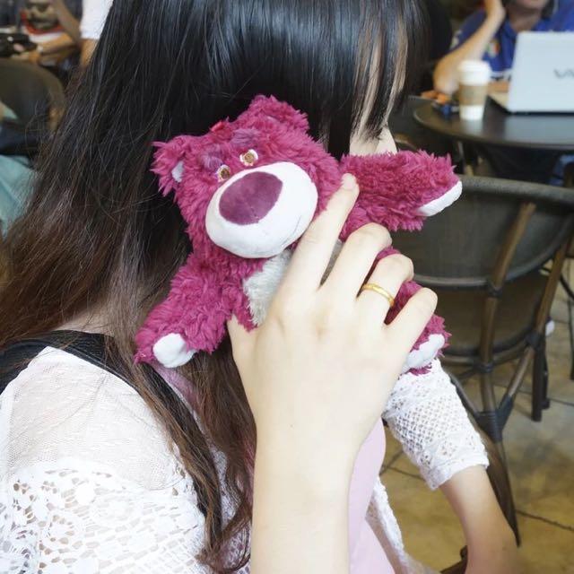 🎀 熊抱哥掛繩手機殼