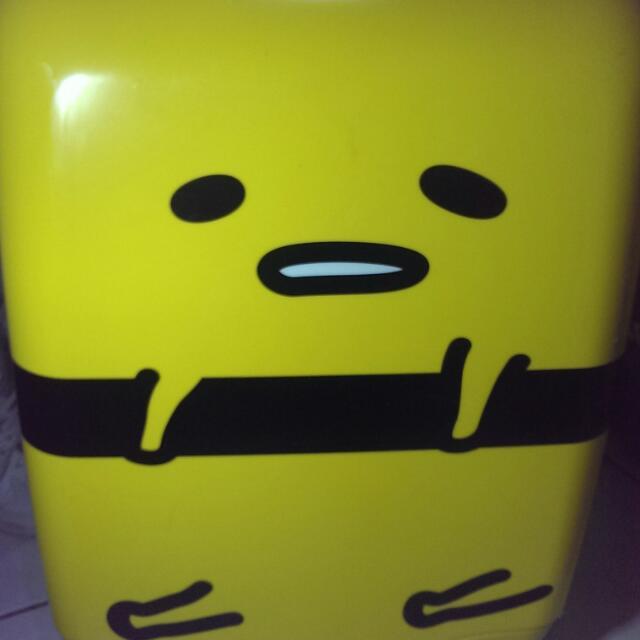 便宜售 蛋黃哥行李箱