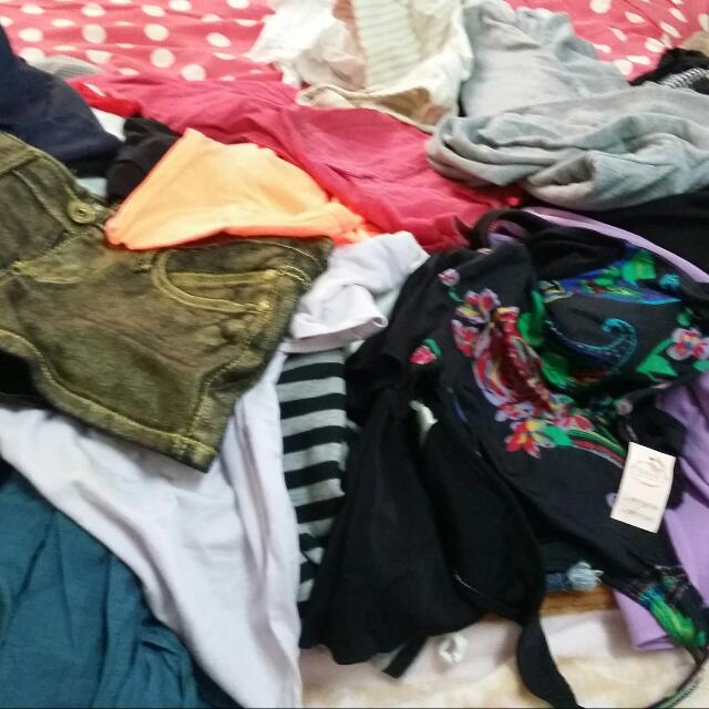 Assorted Clothes 30 Nt Each...but  Choose Any 4 Pieces 100nt Only..😊😊😊