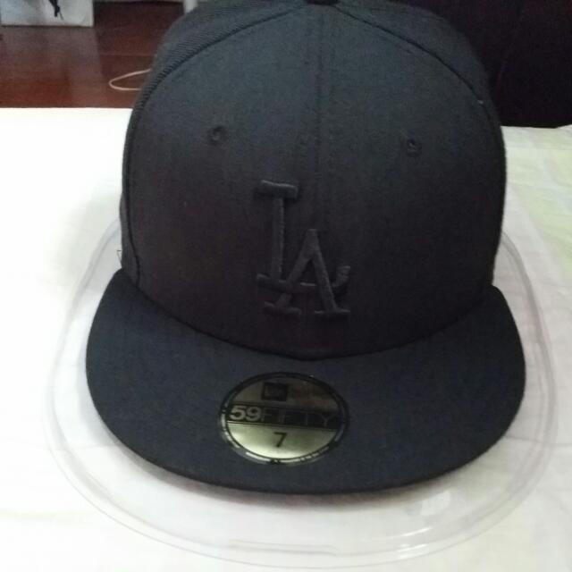 LA全黑棒球帽(全新)