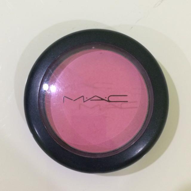 Mac Sheertone Blush in Pink Swoon