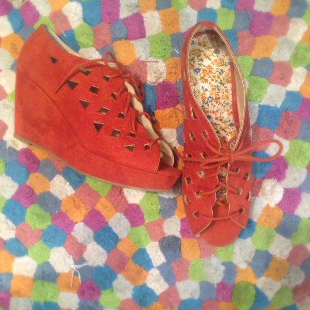 New Wedges Size 10