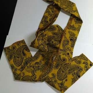 型男 變形蟲圖騰領方巾