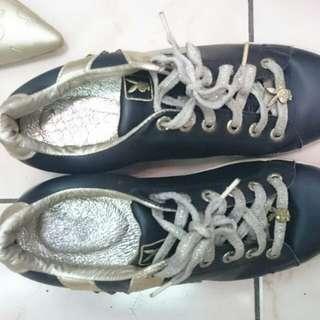 Playboy 板鞋
