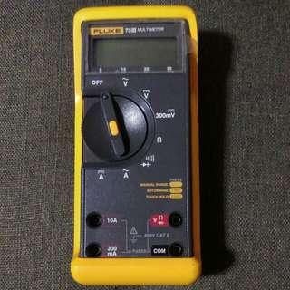 Fluke 73 III Digital Multimeter