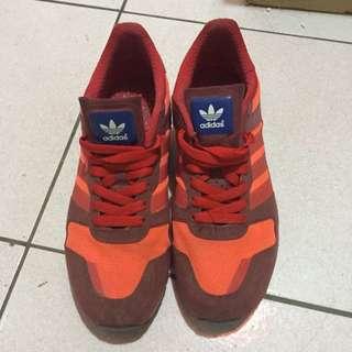 Adidas 鞋號26號 (含運)