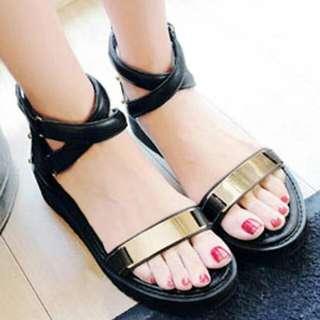 一字金屬交叉繫踝繞帶楔型厚底涼鞋