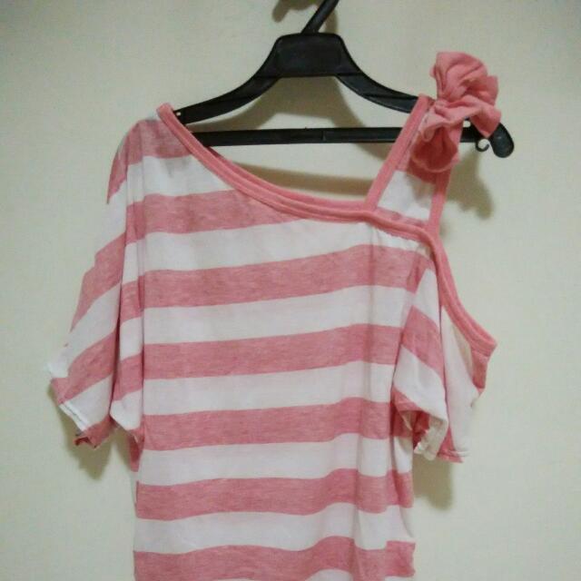 全新🎉粉色條紋蝴蝶結上衣
