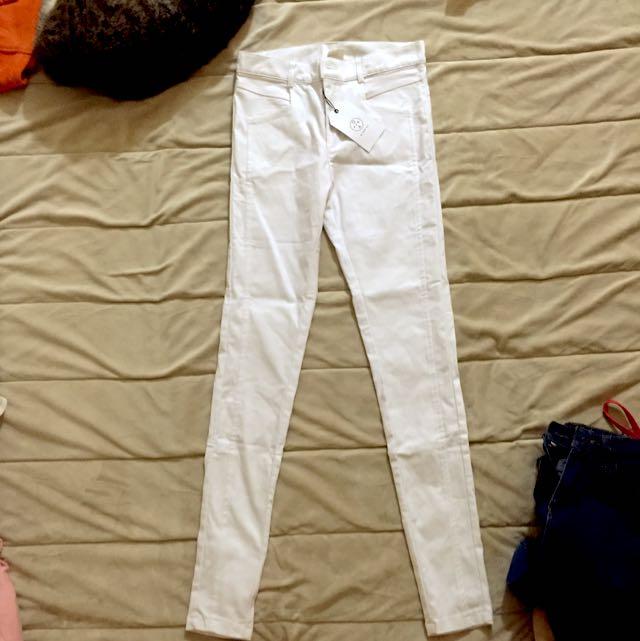 白色顯瘦內搭褲