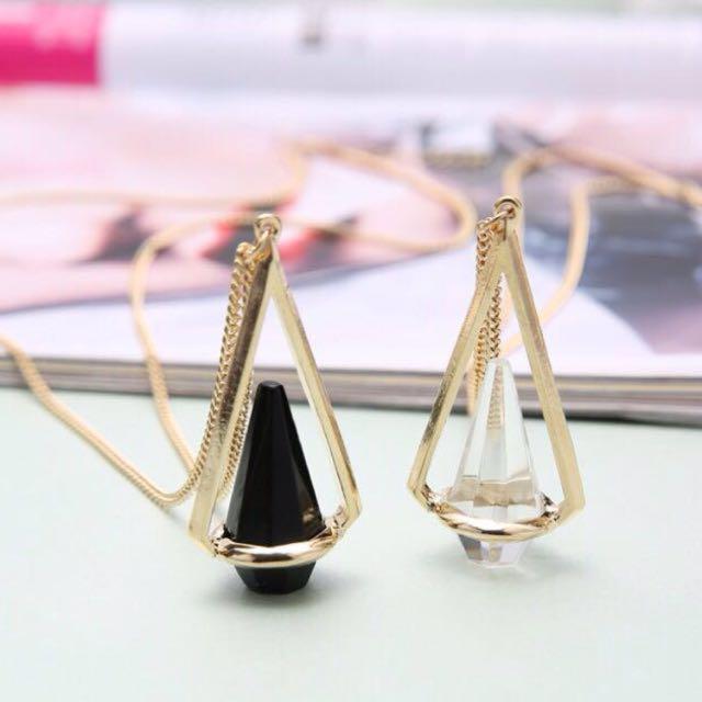 INSTOCK!! Quartz Prism Necklace