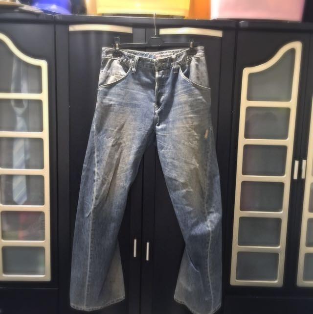 Levi's 3D剪裁牛仔褲