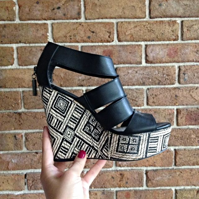 Patterned Wedge Sandals - Glamour Puss