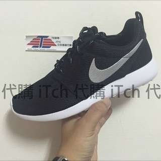 WMNS Nike Roshe One 黑白 銀勾