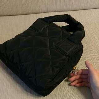 (保留中)全黑手提包