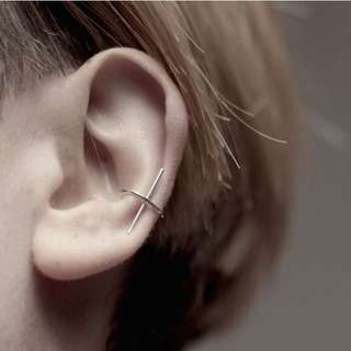HUNG :: 極簡十字耳掛耳夾耳環 ( 無須耳洞 )