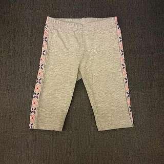 全新 Carter's 12m 灰彩條 7分褲