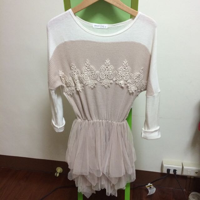 降❗️9.9成新 正韓軟綿蕾絲洋裝