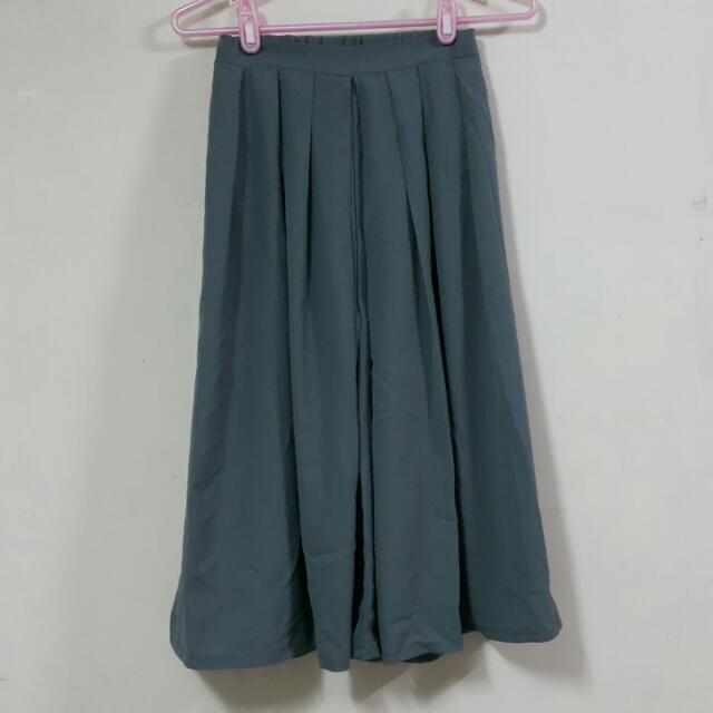 (待匯)灰綠色寬褲