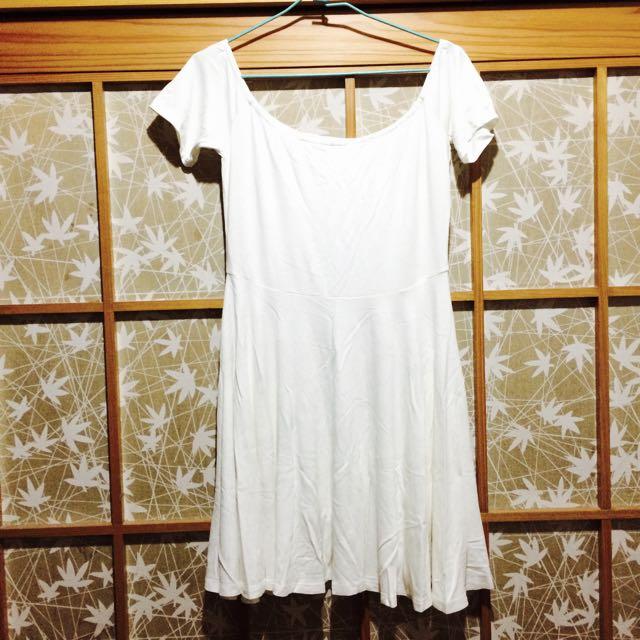 (特價!)(全新)PAZZO白色傘狀裙 (平口) #一百元上衣