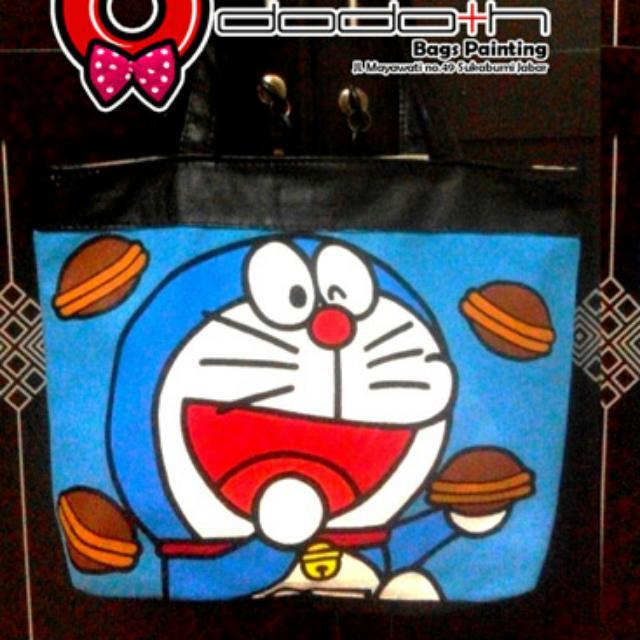 Tas Totebag Kanvas Lukis Doraemon Dilukis Manual 2 Sisi Women S