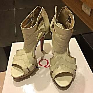 36.5號 米白色羅馬高跟鞋