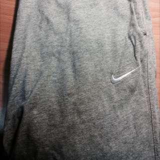 再降 Nike Short 棉短褲 灰 749含運給你了