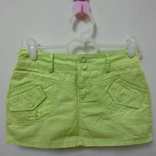 螢光綠 褲裙 有安全內裡 後面有鬆緊帶