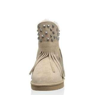 全新正品 Koolaburra Haley Studs Asymmetrical Ankle Boot 鉚釘雪靴