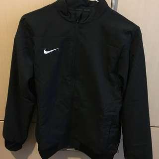 經典黑白Nike外套 男童 女生可穿~