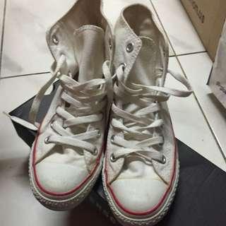 Converse 白色高筒帆布鞋