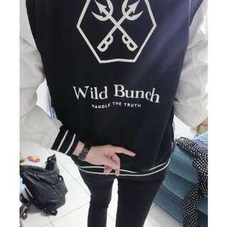 潮牌Wild Bunch 黑白裝設棒球外套
